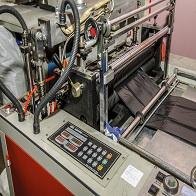 производство пакетов - экструдер: вид спереди